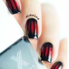 Nail art Halloween rouge et noir