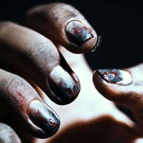Nail art Halloween zombie