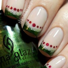 Idée nail art de Noël