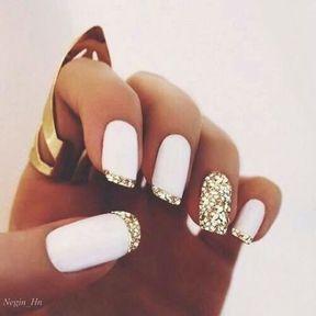 Nail art blanc et doré