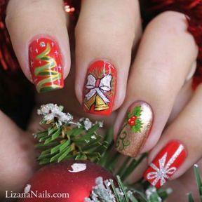 Nail art coloré pour noël