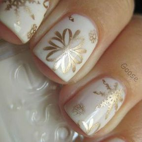 Nail art flocons or