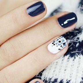Nail art glitter bleu