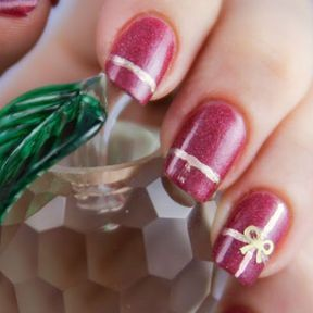 Nail art rouge et or