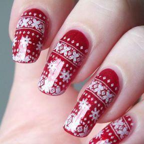 Nail art rouge pour noël