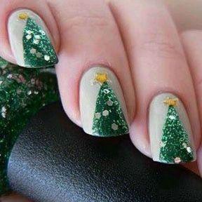 Nail art sapin de Noël