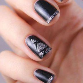 Nail art sapin glitter