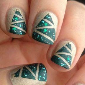 Nail art sapins de Noël mats