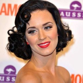 Katy Perry: écarlate mat
