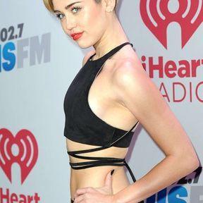 Les petits seins de Miley Cyrus