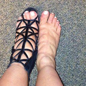 Les pieds gonflés de Kim Kardashian