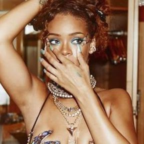 Rihanna nue à la Barbade