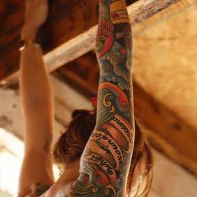 Tatouage bras couleur