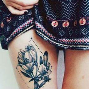 Tatouage au dessus du genou