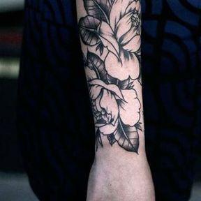 Tatouage sur l'avant du bras