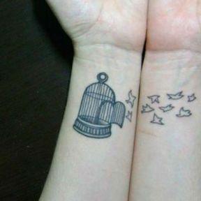 Tatouage poignet gauche et droit