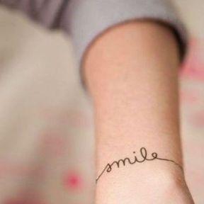 Tatouage Smile-poignet