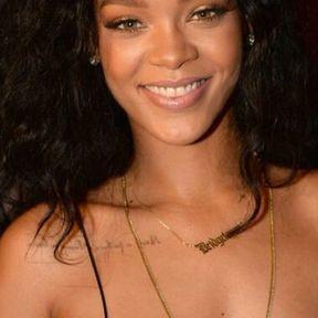 Le tatouage au niveau de la clavicule gauche de Rihanna