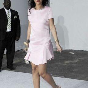 Le tatouage sur la cheville droite de Rihanna