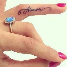 Tatouage sur le doigt