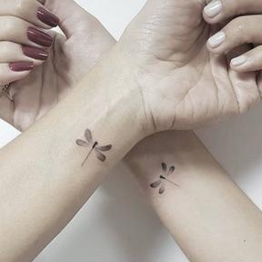 Le matching tattoo en libellules