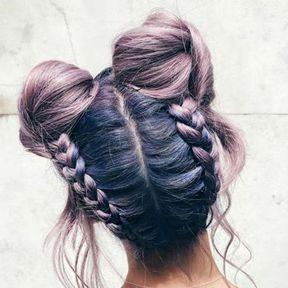 Deux nattes sur cheveux colorés