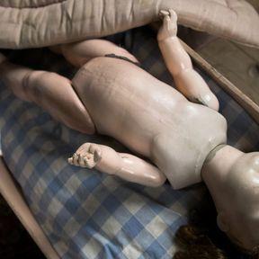 Mon bébé est inanimé dans son lit, ne respire plus