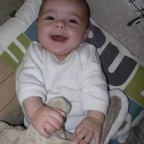 Lucas, bébé semaine