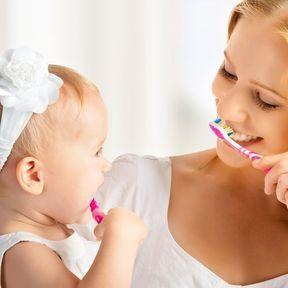 Les poussées dentaires entre 12 et 24 mois