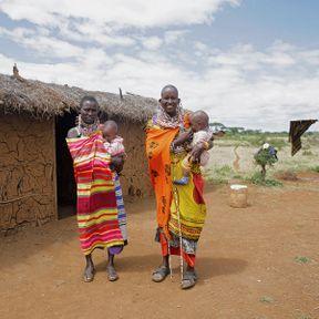 Loolei et Naanyu (40 et 38 ans) et leurs filles (1 an et 1 an), Kenya