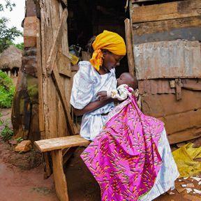 Procy (34 ans) et son fils (6 mois), Ouganda