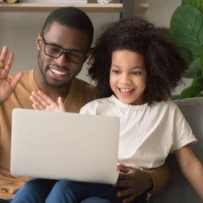 Faites un skype avec la famille