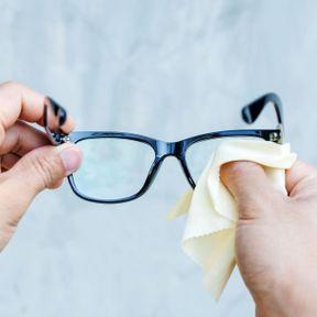Attention aux lunettes !
