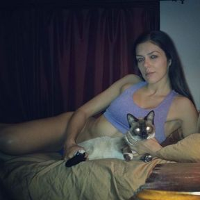 Adriana Curry et son chat
