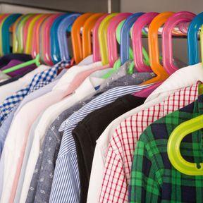 Un vide dressing pour les vêtements