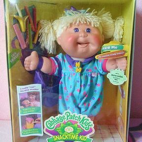 Cabbage Patch Snacktime Kid, la poupée dévoreuse