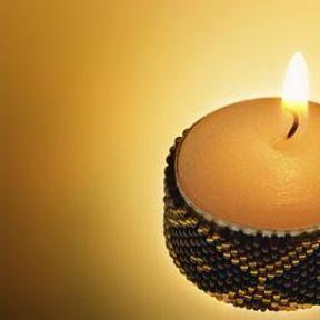Des bougies chauffe-plats customisées
