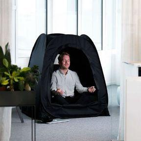 Poser sa tente au bureau