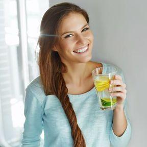 Un verre de citron pressé au réveil