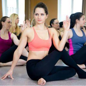Les postures de torsion en yoga