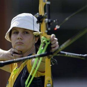 La joueuse de tir à l'arc australienne Elisa Barnard