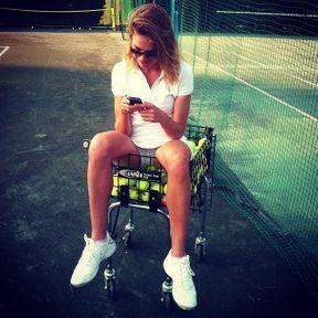 Natalia Vodianova après une partie de tennis