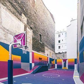 Un basket en quadricolor à Paris