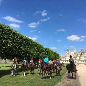 Une randonnée à cheval devant les Châteaux de la Loire