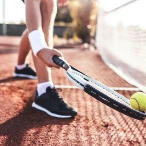 2. Le tennis avec 1 052 000 licenciés
