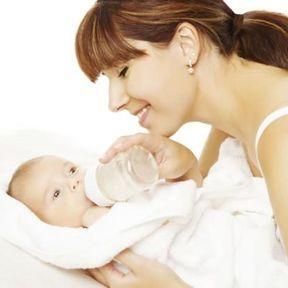 Les avantages du lait maternel par rapport au lait maternisé