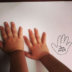 Annonce grossesse mains enfants