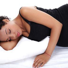 Dormir sur le côté enceinte