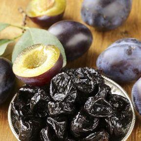 POUR UN GARCON : Certains fruits secs