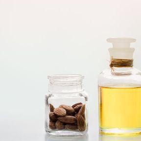 Cocktail d'huiles végétales contre les vergetures